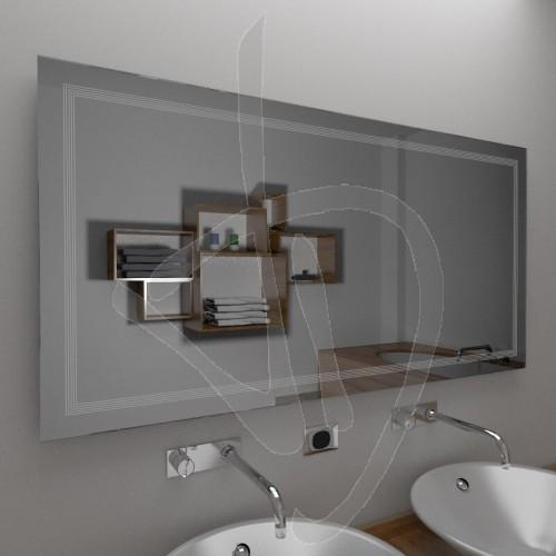 miroir-de-salle-de-bains-avec-une-decoration-b020
