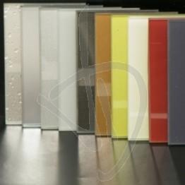 verre-laque-brillant-pour-les-couleurs-foncees