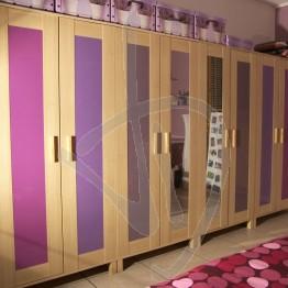 verre-laque-aneboda-armoire